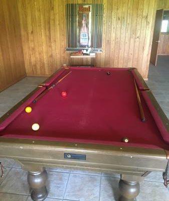 National Billards Co Pool Table